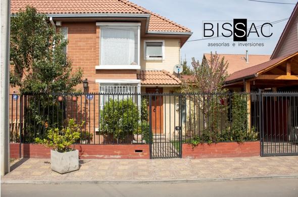 ARRENDADA  -Hermosa Casa. Ubicada camino a las Vizcachas. Conjunto habitacional Portal del Valle. Puente Alto $560.000